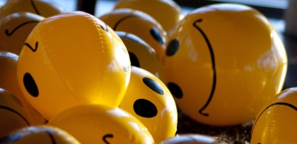 plastic blow up smiley faces